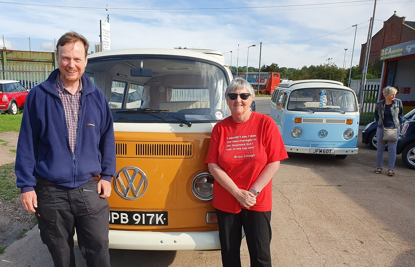sue and david take campervan to cropredy