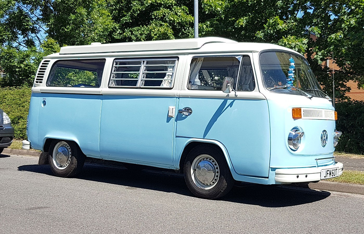 vwcampervan t2 blue